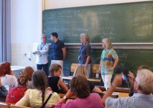 Die Stille-Post-Transaktion: Vom Deutschen ins Englische ins Italienische (von rechts nach links)